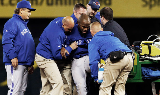 A slide into second base resulted in an injured ankle for Jose Reyes, who had to leave the game.