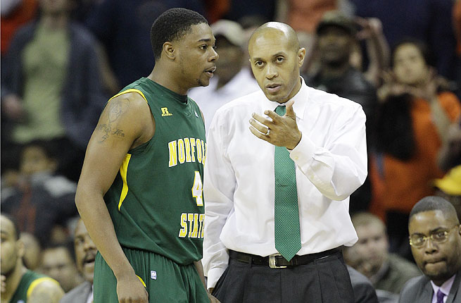 Anthony Evans was a finalist for the FIU job when Richard Pitino, now at Minnesota, was hired.