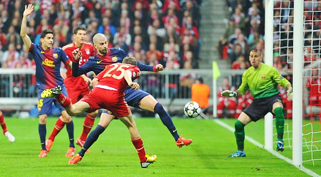 Thomas Mueller (25) scores Bayern Munich's opening goal in the 25th minute.