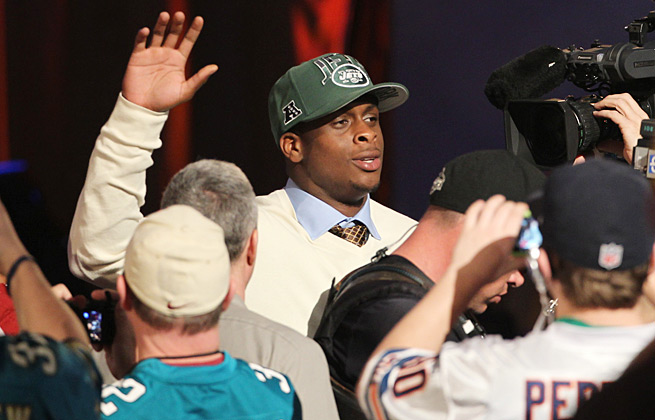 Undrafted in Round 1, Geno Smith delighted the New York crowd when he was picked by the Jets.