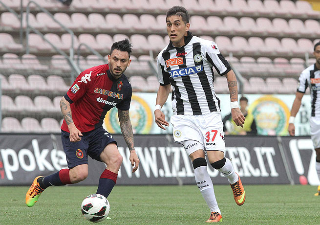 Roberto Pereyra (right) scored the lone goal in Udinese's vital win over Cagliari.
