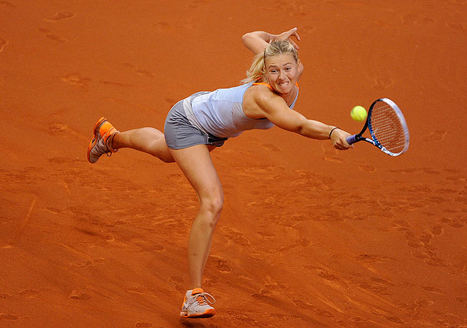 Maria Sharapova took home her second straight Porsche GP title after seeing off Li Na in straight sets.