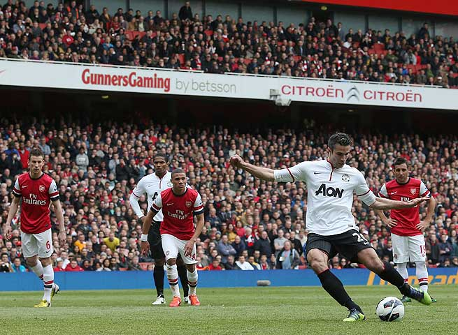 Robin van Persie came back to haunt Arsenal by netting the tying goal at the Emirates on a penalty.