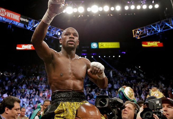 Floyd Mayweather pushed his record to 44-0 with a 12-round unanimous decision over Robert Guerrero.