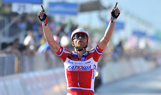 Luca Paolini completed the 138-mile third leg in five hours, 43 minutes and 50 seconds.