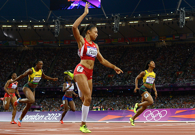 Allyson Felix beat Jamaica's Shelly-Ann Fraser-Price to win the 200 meter gold medal at the Olympics.