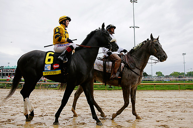 Rosie Napravnik could become the first female jockey to win the middle jewel of the Triple Crown.