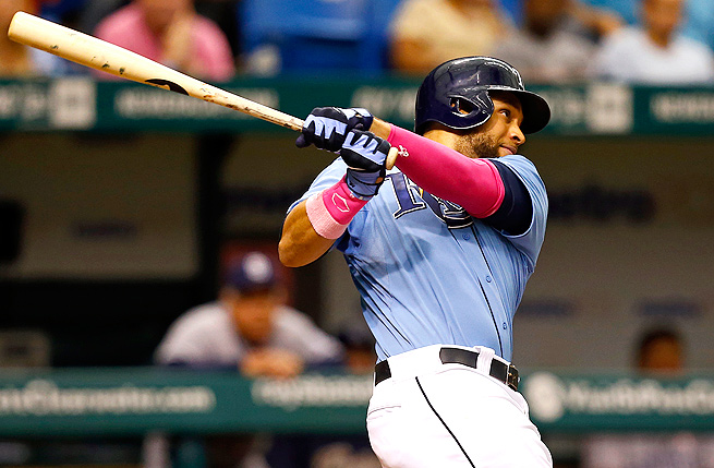 James Loney smacked his third home run of the year Sunday, boosting his batting average to .376.
