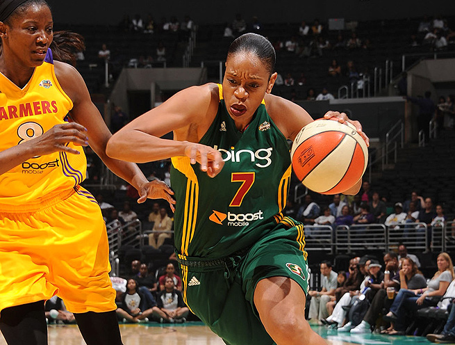Tina Thompson and the other veterans will step up and lead the Seattle Storm rookies.
