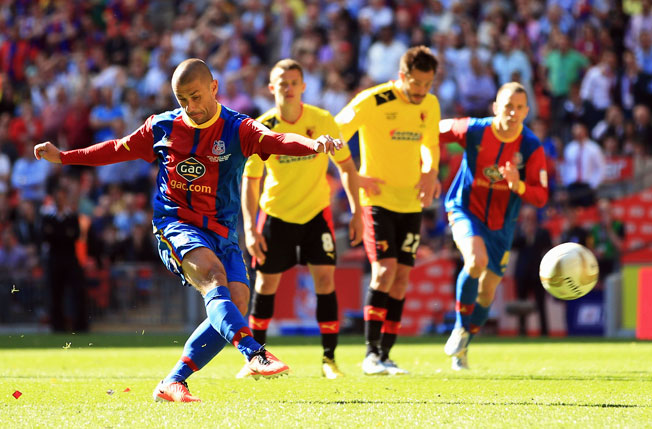 Kevin Phillips scored Crystal Palace's only goal on an extra-time penalty in a 1-0 victory over Watford.