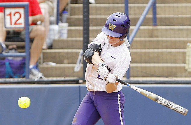 Washington hitters couldn't break through against UT pitching, setting the stage for the late-game dramatics.