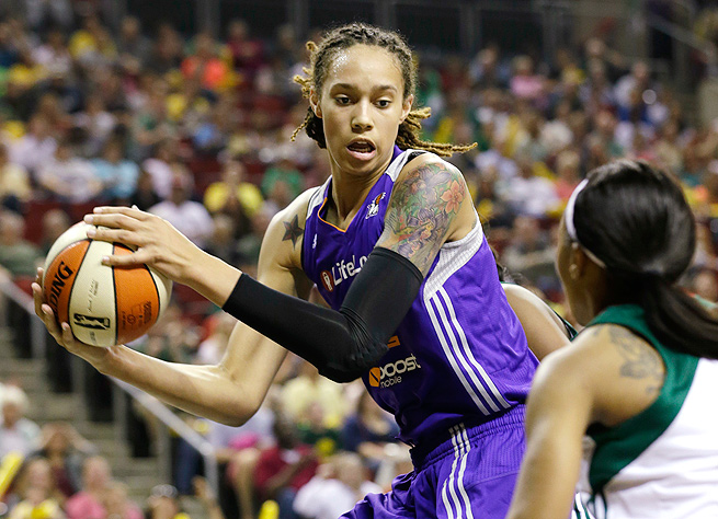 Brittney Griner put up 17 points in the Phoenix Mercury's 75-72 loss to the Seattle Storm.