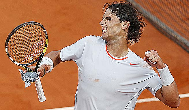 Rafael Nadal will face Novak Djokovic in the semifinals, a rematch of last year's final.