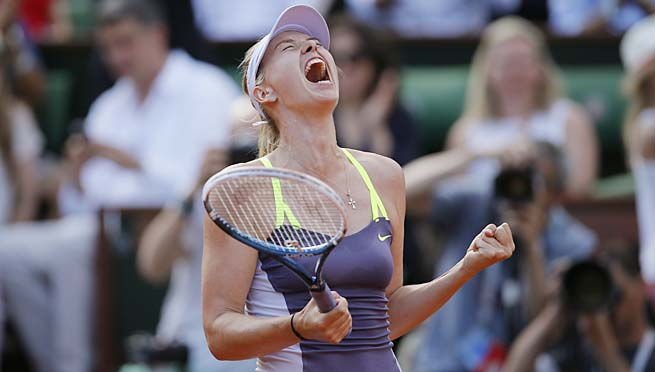 Defending champion Maria Sharapova hasn't beaten Serena Williams since 2004.