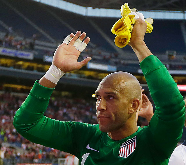 Tim Howard applauds supporters after his shutout secured a 2-0 victory.