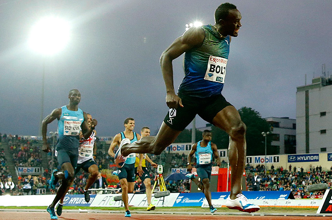 Usain Bolt ran a 19.79 in the 200 meters to set a track record at the Bislett Games in Oslo, Norway.