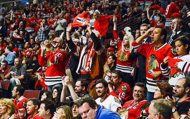 Not everyone knows what's going on with the Blackhawks and Bruins, but they're enjoying watching it.
