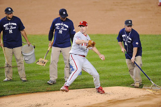 Philadelphia managed two victories against the Yankees in the 2009 World Series. Lee won both games.