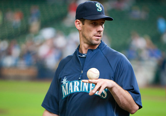 The Mariners hoped to make a run at the postseason in 2010, but injuries and poor performances by veterans quickly made those dreams unrealistic. Lee once again became a trade chip.