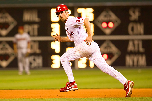 Lee running to second base on a wild pitch on Aug. 19, 2009. Lee pitched a gem and the Phillies beat the Diamondbacks 8-1.