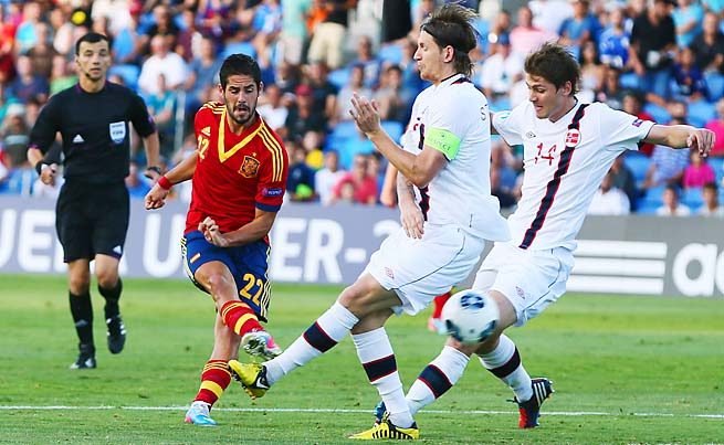Isco shoots for Spain in a Euro U21 semifinal against Norway on Saturday.