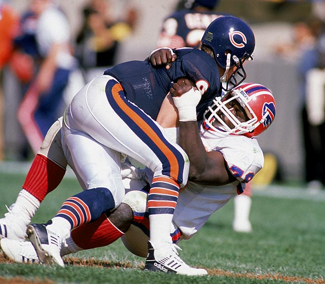 Smith sacks Bears QB Jim McMahon on Oct. 2.