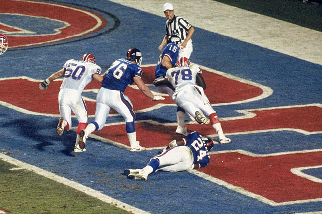 Smith sacks Giants QB Jeff Hostetler for a safety in Super Bowl XXV. Despite Smith's efforts, the Bills lost, 20-19.