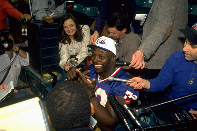 Smith smiles during a press conference before Super Bowl XXVIII.