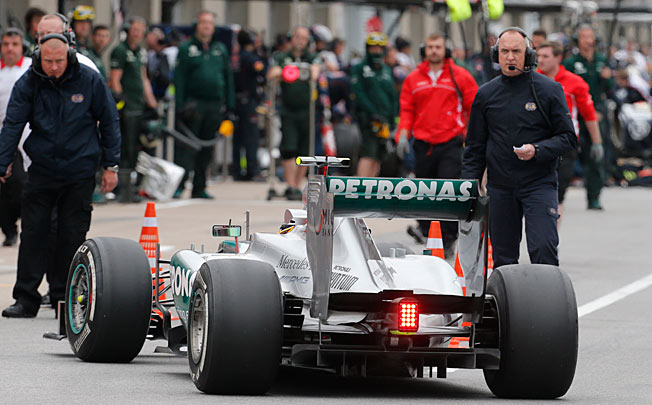 Mercedes and the tire manufacturer Pirelli could be sanctioned by F1's governing body.