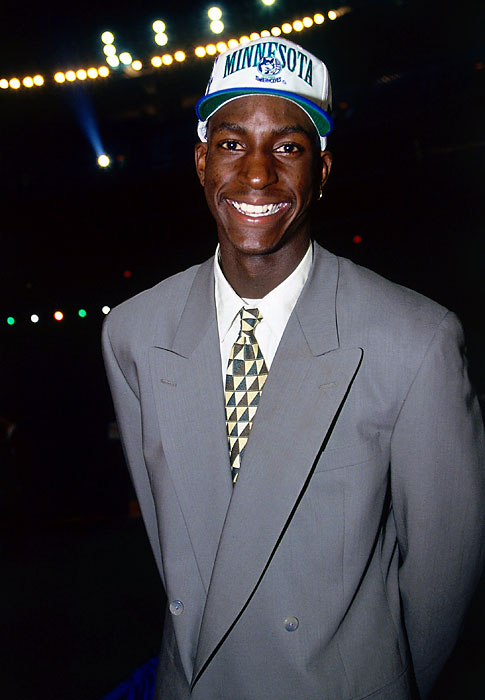 Garnett was drafted by the Minnesota Timberwolves with the fifth pick of the 1995 NBA Draft. KG was joined in the Top 5 by Joe Smith, Antonio McDyess, Jerry Stackhouse and Rasheed Wallace.