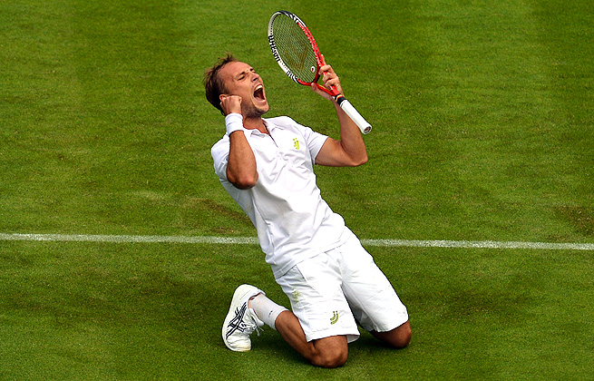 After beating Rafael Nadal in one of the greatest Wimbledon upsets, Steve Darcis withdraws with a shoulder injury.