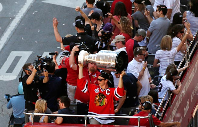 The Stanley Cup is becoming a familiar sight in Chicago as it's the Hawks second since 2010.