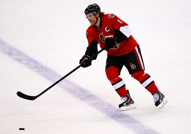Despite expectations that 2013 would be his last season, Daniel Alfredsson will return to Ottawa next year.