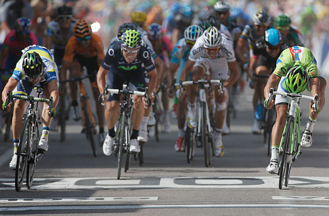 Simon Gerrans (left) crosses the finish line just ahead of Peter Sagan for his second career Tour stage victory.