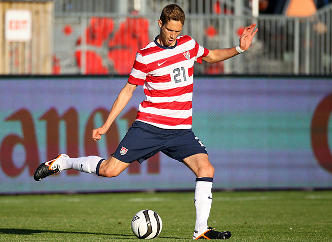 The San Jose Earthquakes have signed U.S. national team veteran center defender Clarence Goodson.