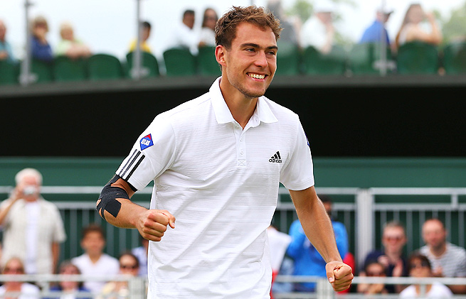 Jerzy Janowicz advances to the quarterfinals at Wimbledon, where he'll face countryman Lukasz Kubot.