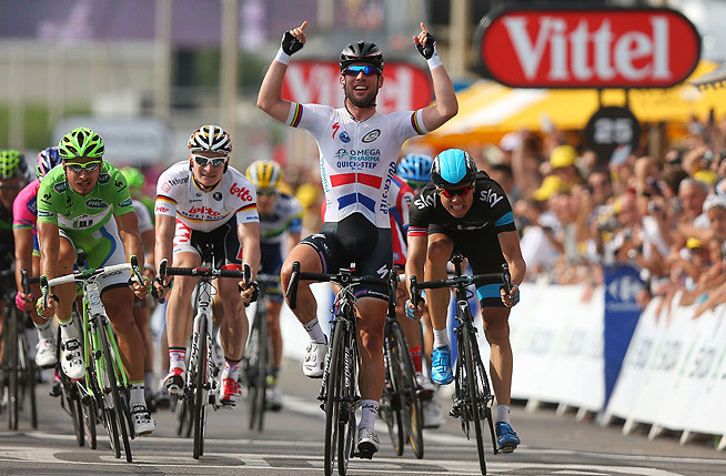 British cyclist Mark Cavendish won the fifth stage of the Tour de France Wednesday.