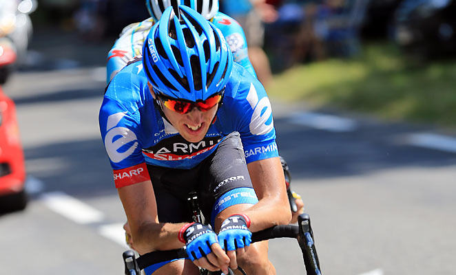Dan Martin won the Tour's ninth stage but the yellow jersey stayed with Chris Froome on Sunday.