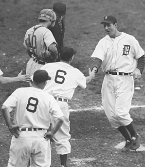 Greenberg (right) hit .304 with two home runs in the Tigers' World Series win over the Cubs.