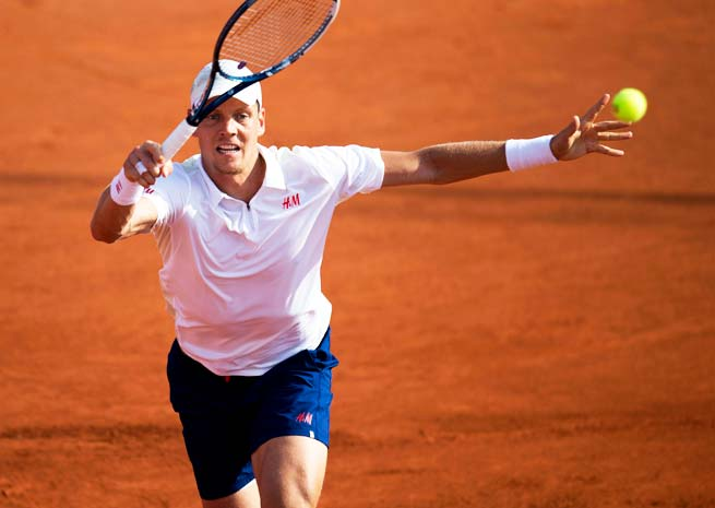 Tomas Berdych fell to Thiemo de Bakker in the quarterfinals of the Swedish Open.