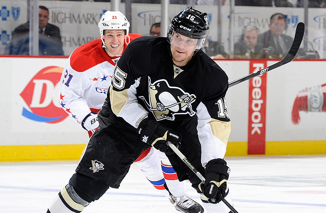 Free agent Dustin Jeffrey has been signed to a one-year contract by the Pittsburgh Penguins.