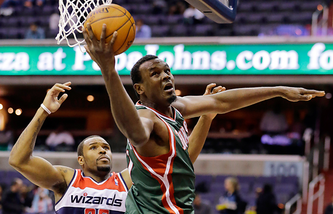 Veteran center Samuel Dalembert will join the Mavericks carrying career averages of 8.0 ppg and 8.1 rpg.