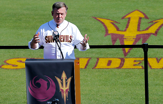ASU president Michael Crow is leading a Pac-12 effort to keep for-profit Grand Canyon U out of D-I.