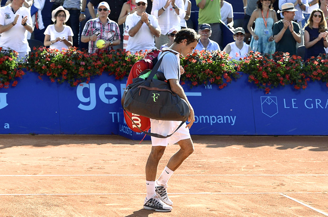A slumping Roger Federer was upset by Daniel Brands for his third-straight loss to a low-ranked opponent.