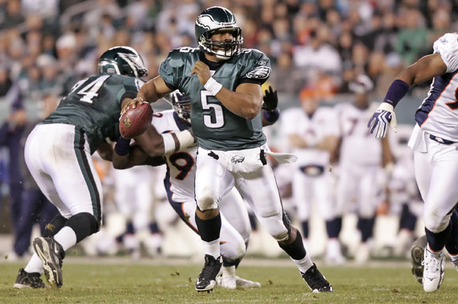 Donovan McNabb hasn't played in the NFL since 2011, but will re-sign and retire with the Eagles on Monday.