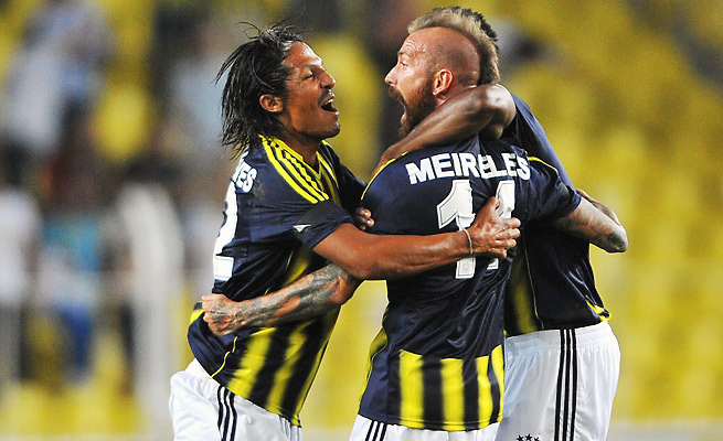 Though threatened with removal from the tournament over a match-fixing case, Fenerbahce advanced past Salzburg in the Champions League.