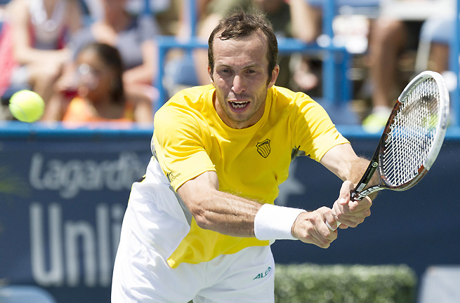 Radek Stepanek overcame Nicolas Almagro 6-3, 6-7 (4), 6-3 in the first round of the Rogers Cup.