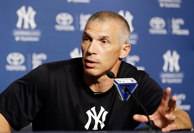 Joe Girardi spoke to Nick Saban's Alabama team after Saban had done the same for Girardi's Yankees.
