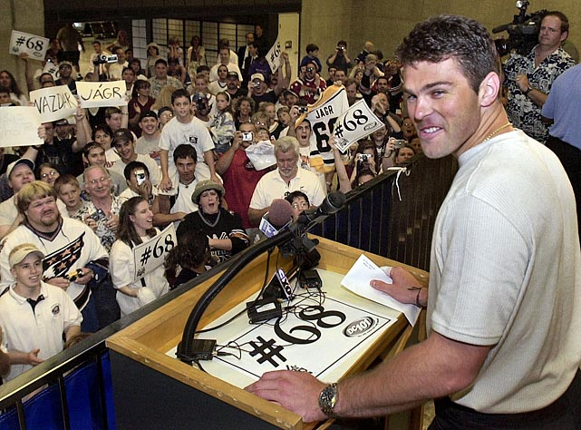 Although Jaromir Jagr has shown the longevity to still contribute in the NHL at 40, when he was in his prime at 29, the Pittsburgh Penguins sent him and Frantisek Kucera to the Washington Capitals for Kris Beech, Michal Sivek, Ross Lupaschuk and future considerations. After the Capitals signed Jagr to then the largest contract in NHL history -- $77 million over seven years -- his production plummeted from 121 points in his final season in Pittsburgh to 79 points in his debut campaign in Washington. Jagr never found his groove with the Capitals.