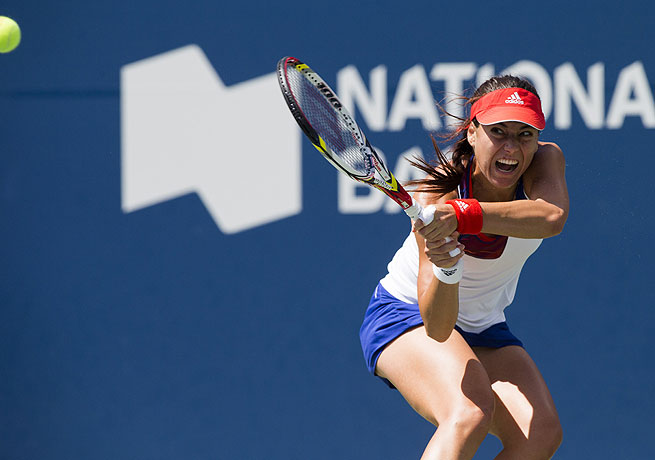 Sorana Cirstea continued her surprising run to the finals by beating Li Na in straight sets.